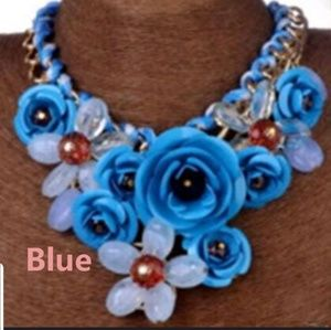 Jewelry - Chunky Fashion Necklace blue floral
